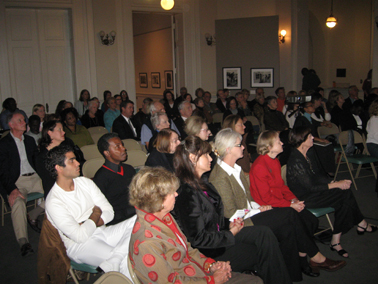 The crowd listens to Jeanne Moutoussamy-Ashe