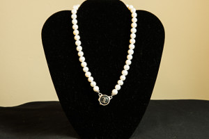 Pearl Necklace from Graffito