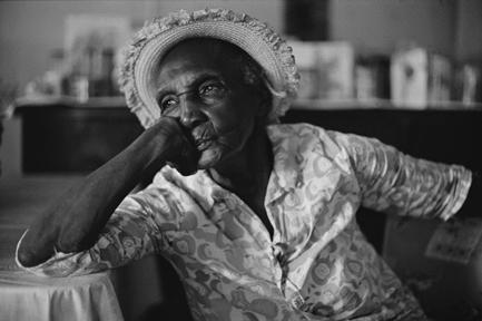 Miss Bertha, by Jeanne Moutoussamy-Ashe, photograph, © Jeanne Moutoussamy-Ashe