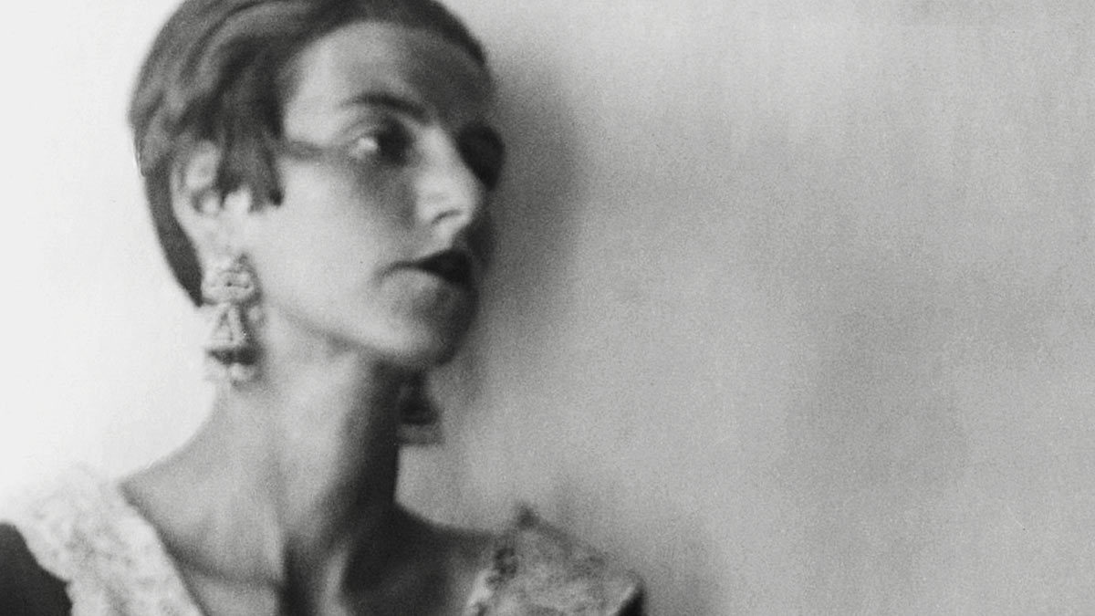 Peggy Guggenheim as a young woman. Photography by Berenice Abbot, courtesy of Getty Images.