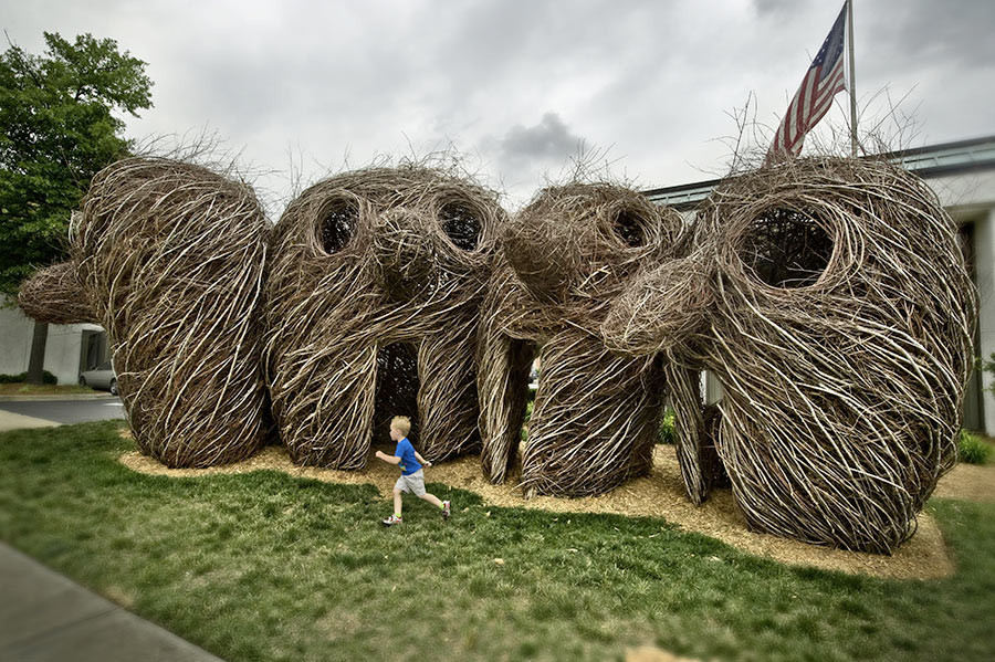 <em>Ain't Misbehavin'</em>, 2010, by Patrick Dougherty; Winthrop University, Rock Hill, SC. Photo: Zan Maddox.