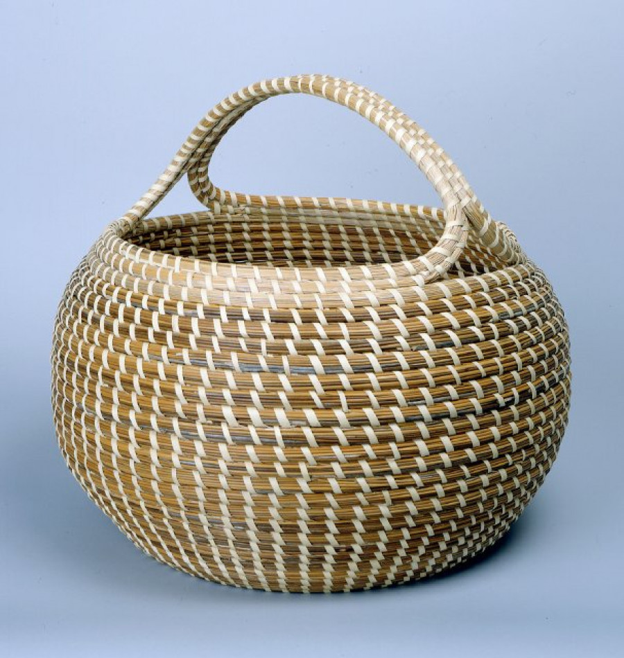 Cobra with Handle, ca. 1980, by Mary Jaskson (American, b. 1945); Sweetgrass, bullrush, palmetto; 15 x 16 in.; Gibbes Museum of Art, Museum Purchase with funds donated by Mr. Robert Marks (1984.026)