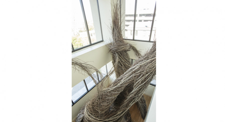 <i>Betwixt and Between</i>, by Patrick Dougherty, 2017. &copy; Rick Rhodes Photography